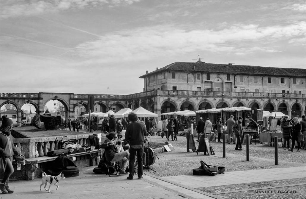 Mercatino dell'Antiquariato di Piazzola sul Brenta - fotografia di Emanuele Bassani